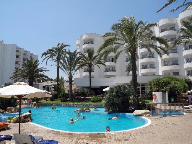 Hotel Sentido Castell De Mar In Cala Milor