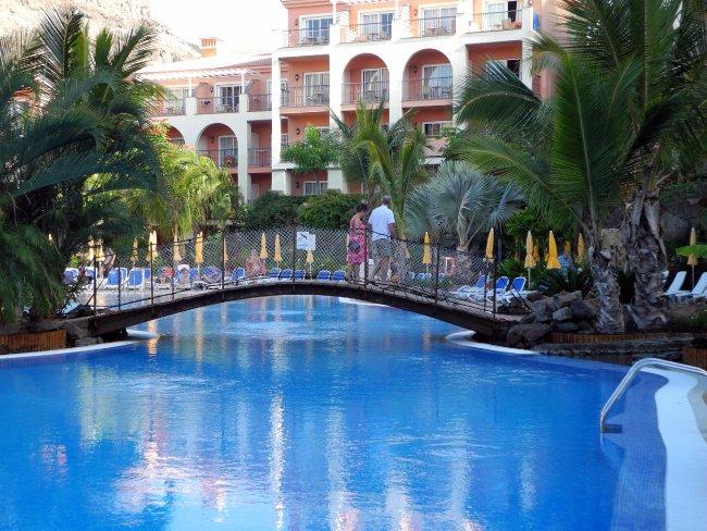 Brucke Uber Dem Pool Hotelbild Hotel Cordial Mogan Playa
