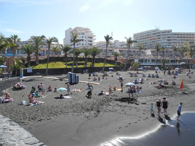 Strand in 600 m Entfernung | Hotelbild Hotel Be Live Family Costa Los Gigantes | Strandbewertung.de