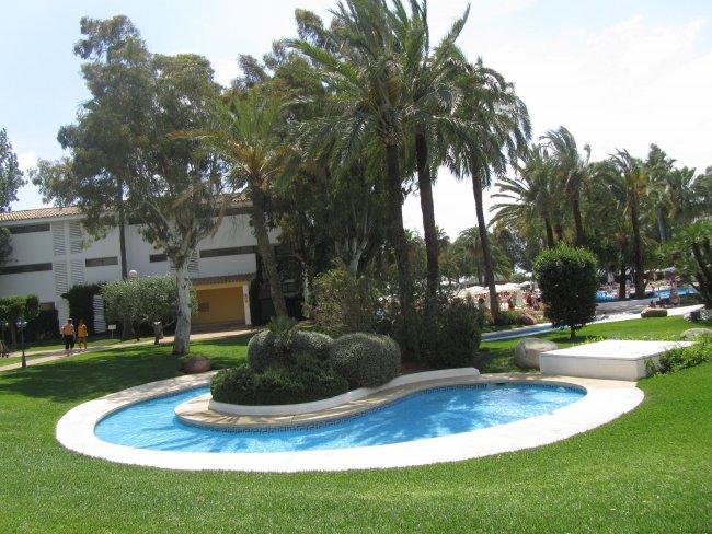 Poollandschaft hotelbild hotel iberostar ciudad blanca - Gartenanlage mit pool ...
