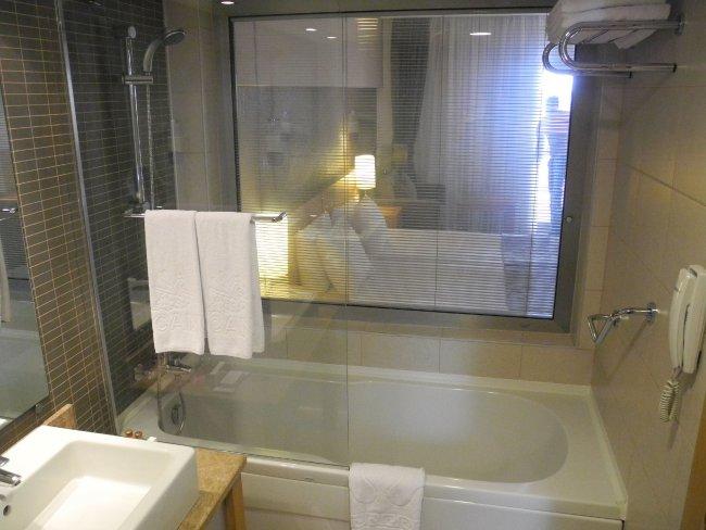Fenster zum Badezimmer   Hotelbild Hotel Arcanus Side Resort ...