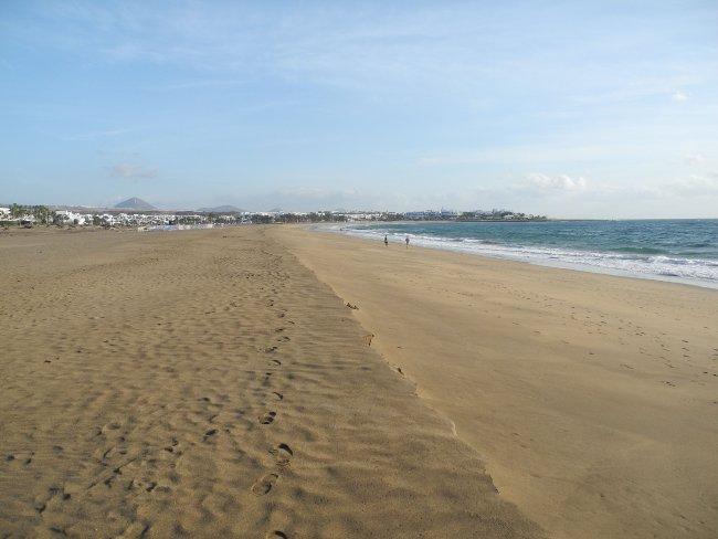 Riesiger Strand Hotelbild Clubhotel Riu Paraiso Lanzarote Resort
