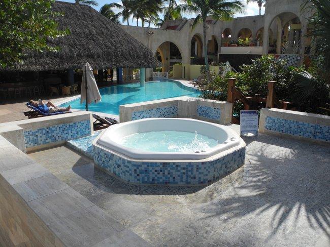 whirlpool hotelbild hotel meli las americas. Black Bedroom Furniture Sets. Home Design Ideas